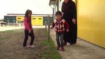 13756 Greece refugees in limbo_MIX_4K