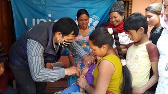 Emergency measles vaccination campaign in Nangavare, Nepal